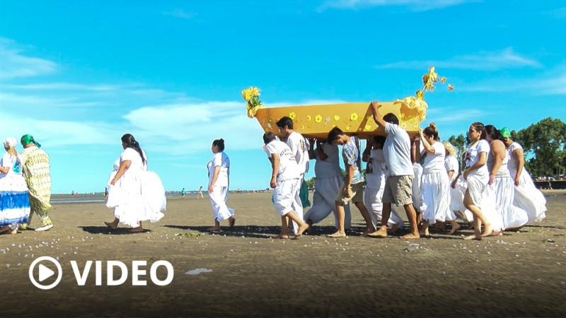 Con color, música y ofrendas el afroumbandismo celebró a Oxúm en la costa de Quilmes