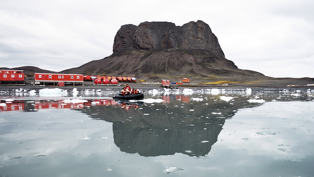 """""""Las consecuencias de un accidente importante en las aguas del Ártico serían devastadoras para el medio ambiente""""."""