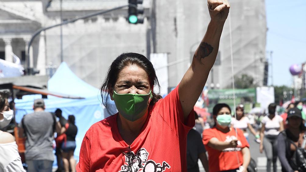 Mujeres de barrios populares se manifestaban en apoyo al proyecto de la Ley de Interrupción Voluntaria del Embarazo y el Plan de los 1000 días