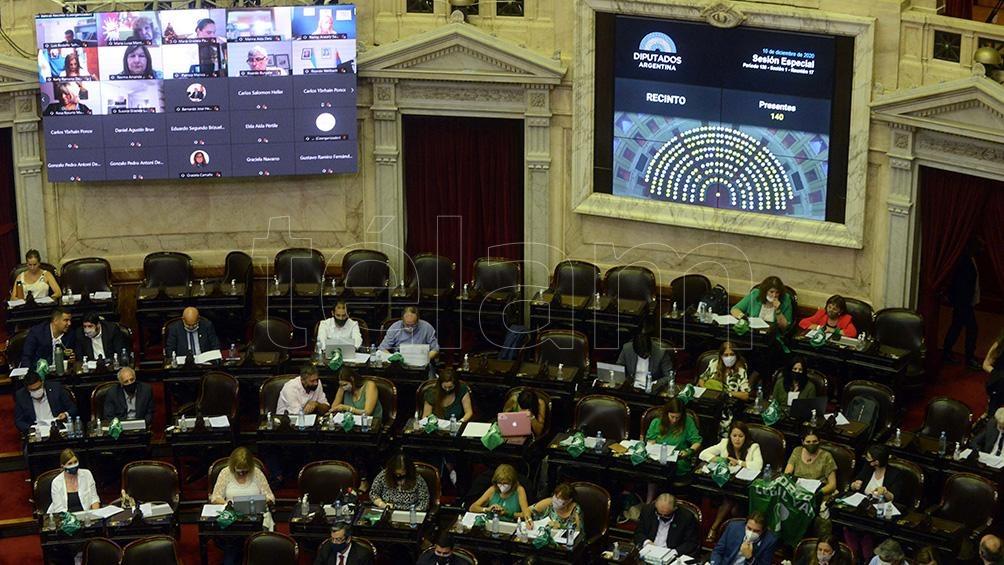 La interrupción voluntaria del embarazo se debate en la Cámara baja.