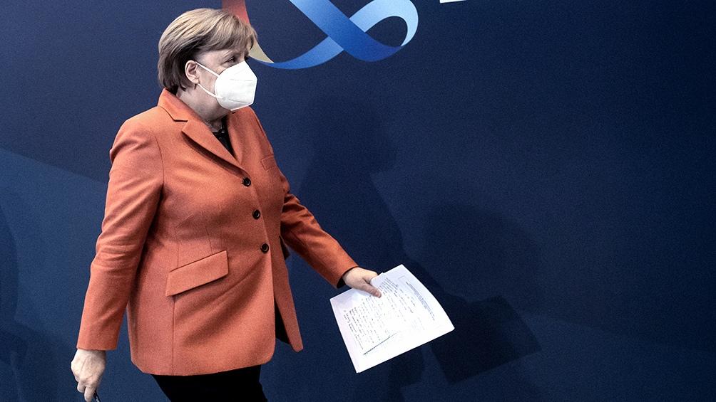 Merkel esperaba dejar el poder en lo alto de su popularidad y ve sus planes contrariados por las dificultades de la CDU