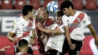River pagó el precio de la doble competencia y empató con Argentinos