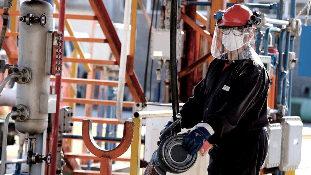 Habrá una rebaja temporaria de las contribuciones patronales por las nuevas relaciones laborales.