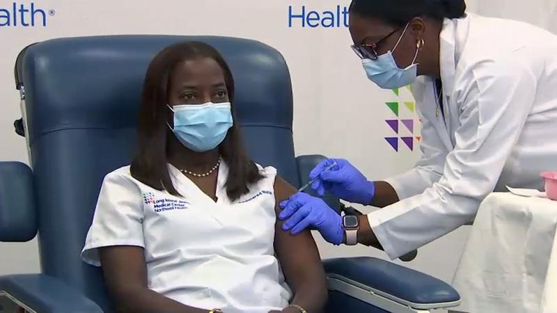 Estados Unidos acelera la inmunización y se acerca a una segunda vacuna