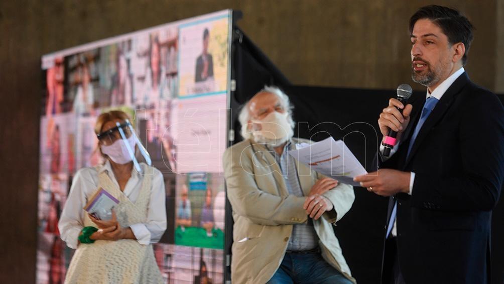 En el acto participó Juan Sasturain