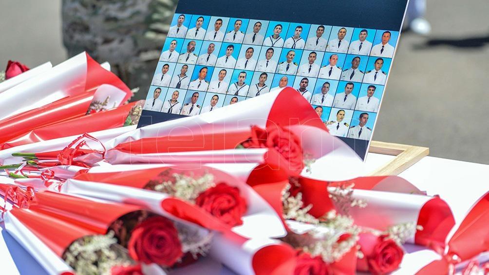 Al dolor de los familiares de las víctimas se sumó el acoso de los espías, que les tomaban fotos y los perseguían.