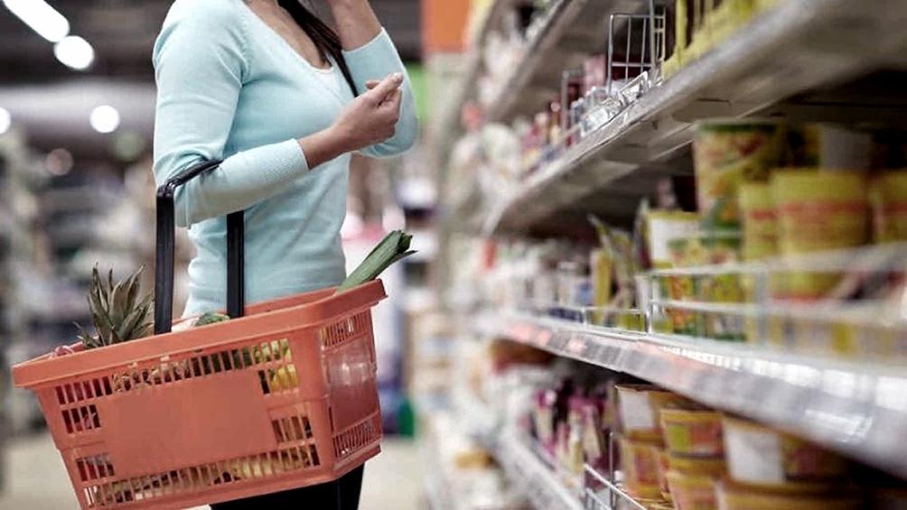 Las ventas en supermercados bajaron 2,2% en octubre.