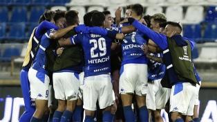 Vélez se clasificó a semifinales en el descuento y jugará con Lanús o Independiente