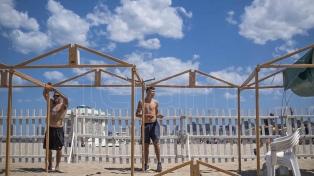 Desarman cientos de carpas en Mar del Plata para ampliar las playas públicas