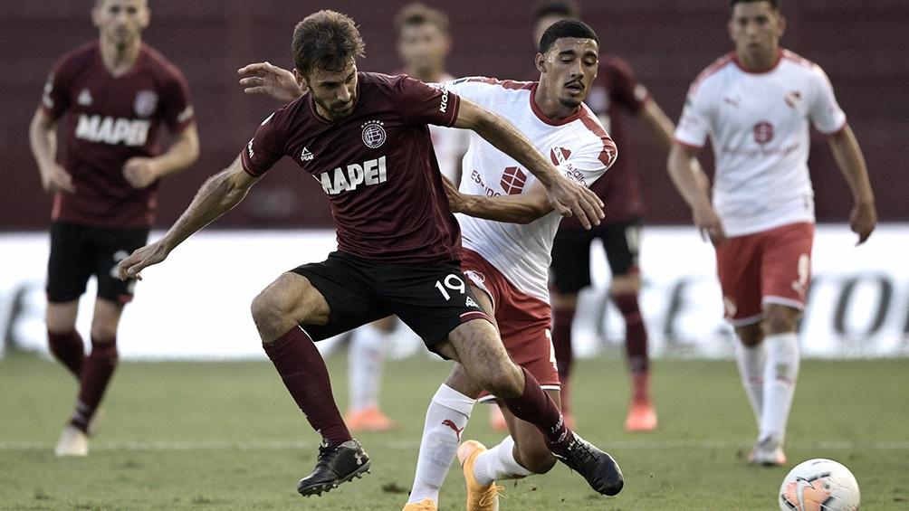 Duelo de goleadores: Pepe Sand (Lanús) y Silvio Romero (Independiente).