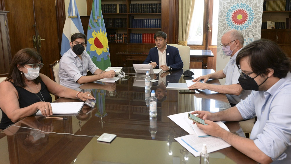 Kicillof se reunió con intendentes y el  Comité de Expertos para abordar la situación epidemiológica de Buenos Aires.