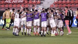 Lanús goleó a Independiente y pasó a semifinales, donde enfrentará a Vélez