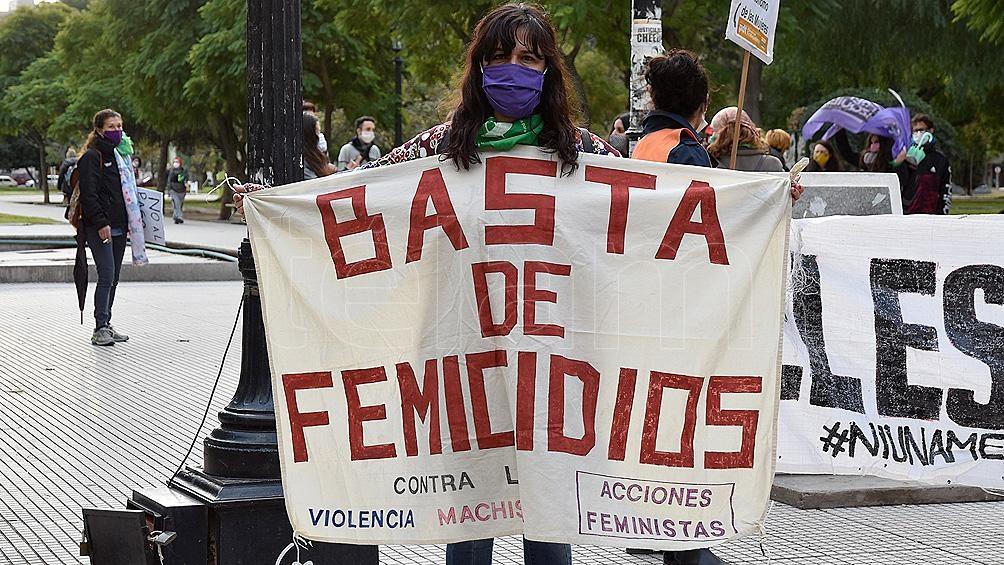 El 76% de los femicidios fue cometido por parejas, exparejas o familiares .