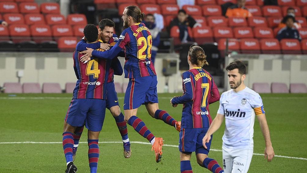 Messi igualó el récord de goles de Pelé de 643 con la misma camiseta.