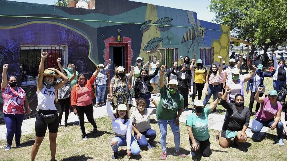 Un grupo de mujeres trabajaron durante más de 5 meses en transformar una casa semiderruida en un refugio.
