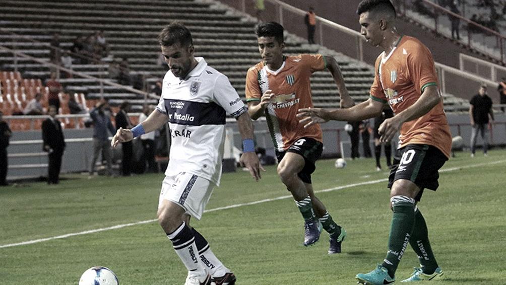 El empate de Talleres ante Atlético Tucumán, dejó a Banfield y Gimnasia en condiciones de saltar a la punta en soledad en caso de una victoria.