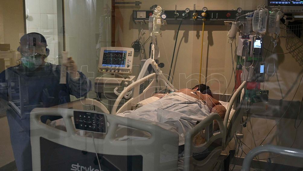 Según informó la cartera sanitaria, son 3.521 los internados en unidades de terapia intensiva.