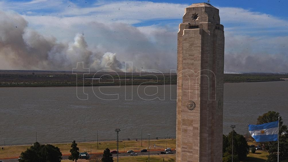 Los incendios forestales en las islas del Paraná afectaron a la ciudad de Rosario.