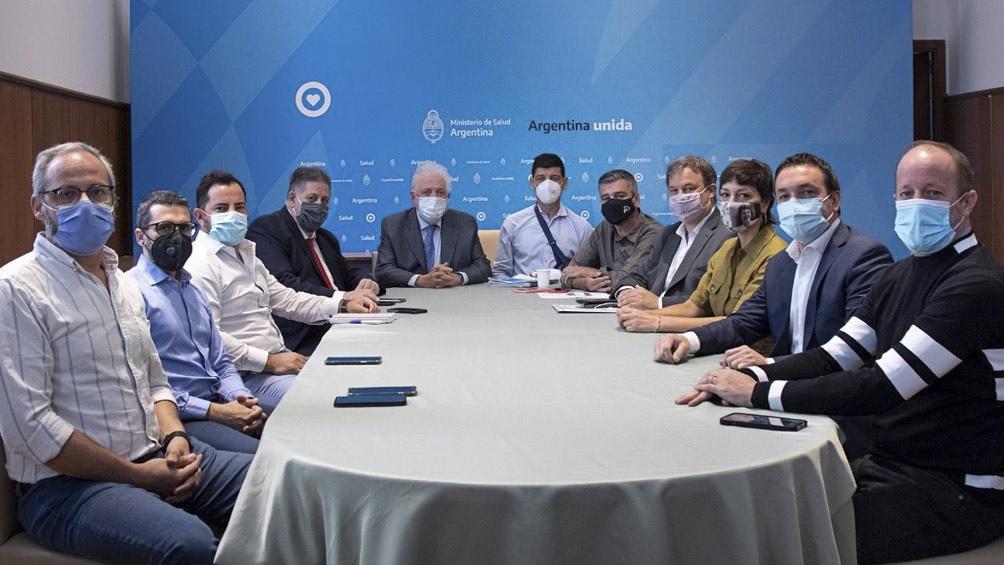 """""""Evaluamos la situación epidemiológica y avanzamos en la planificación del operativo de vacunación contra el Covid"""", dijo Cascallares ."""