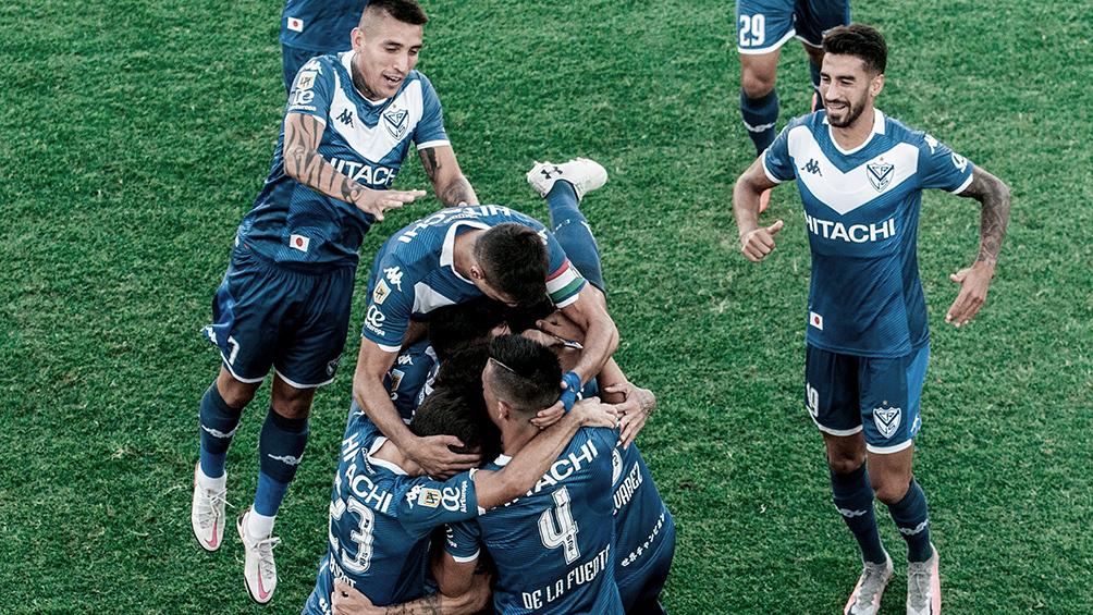 Vélez y Talleres se enfrentan por un lugar en los octavos de final