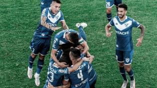 Velez venció a Central Córdoba en Santiago y se subió a la punta junto a Newell's