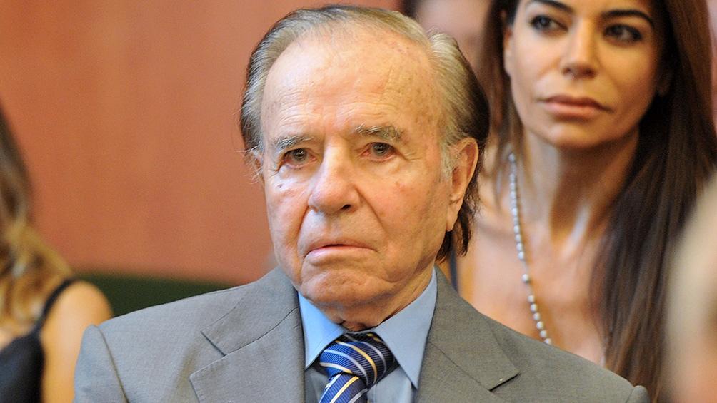 Dirigentes políticos, empresarios y sindicalistas enviaron coronas florales para despedir al expresidente Carlos Menem