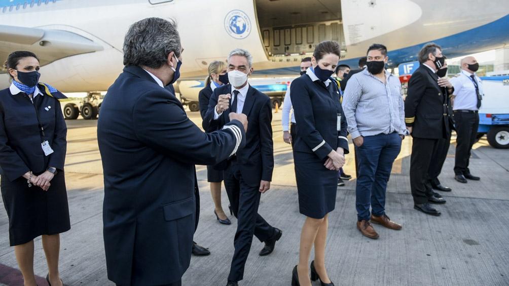 En el mismo vuelo regresarán al país los integrantes de la comitiva del Ministerio de Salud
