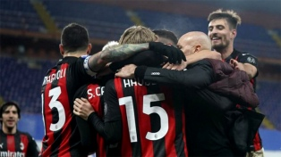 Milan y Manchester United se enfrentarán en San Siro por el pase a los cuartos de final