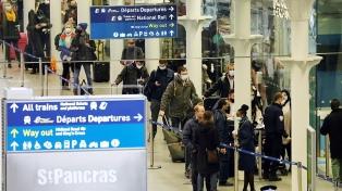 Francia abre su frontera con el Reino Unido tras el cierre por la nueva cepa