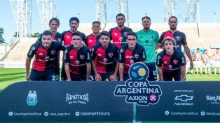 Newell's derrotó a Sportivo Peñarol en el reinicio del torneo