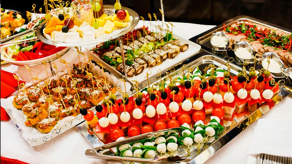 """Durante las fiestas habrá que estar atentos a los desórdenes en la alimentación y limitar los excesos""""."""