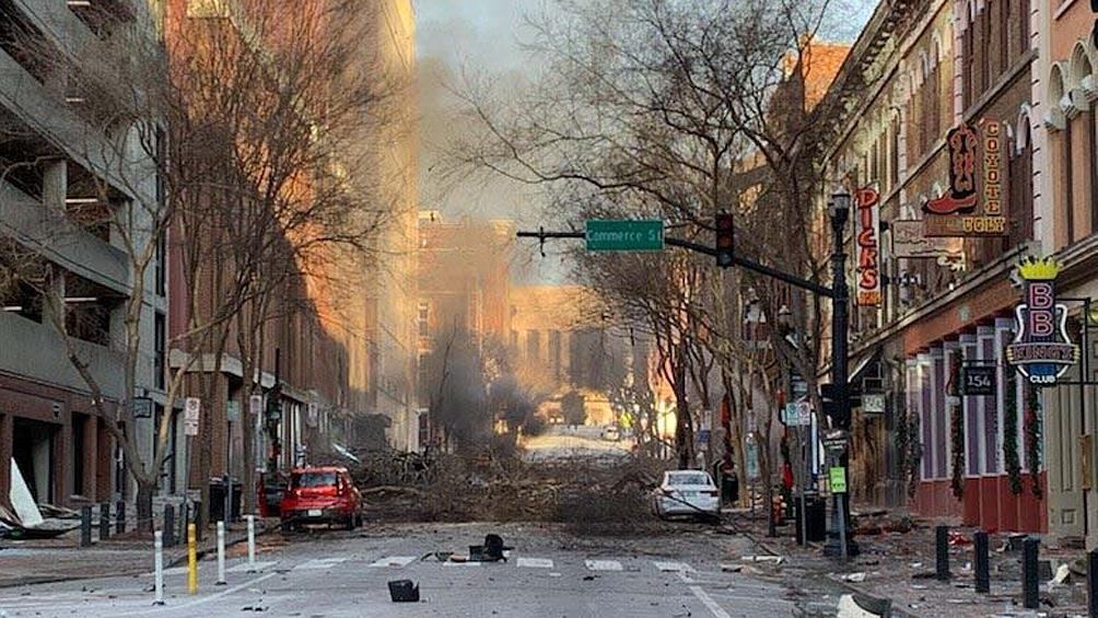 La explosión dañó unos 40 edificios e hirió al menos a tres personas