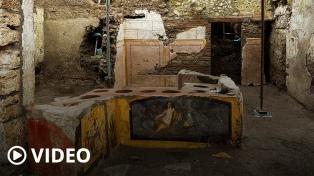 """Descubren en Pompeya un termopolio intacto, la versión romana del """"fast food"""""""