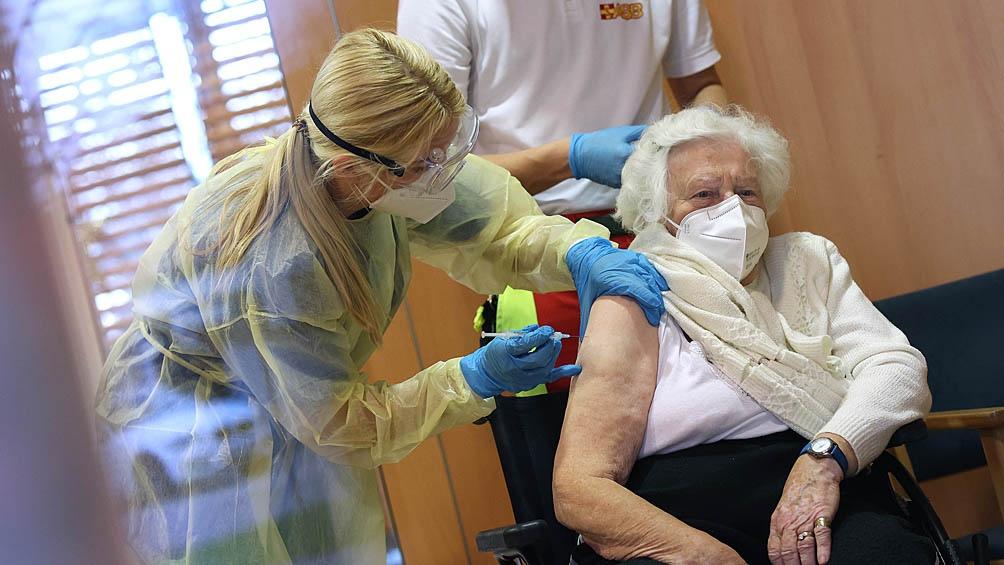 Las muertes de mayores de 80 años se redujeron notoriamente en Europa