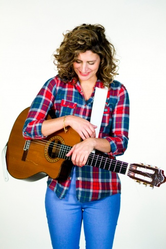 Cuatro artistas recorren el repertorio de la cantautora uruguaya.