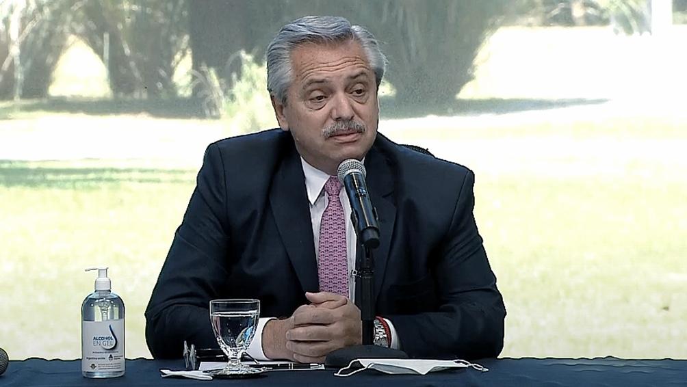 Los convenios que suscribieron los intendentes incluyen la construcción de 1.250 viviendas en Quilmes, 900 en Berazategui, 300 en Avellaneda y 600 en Florencio Varela.