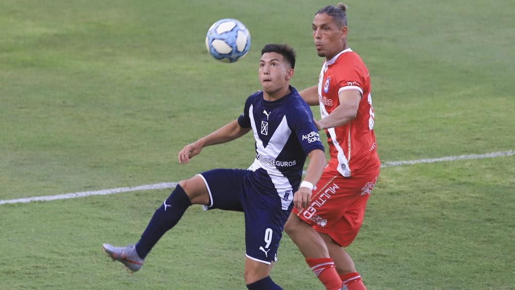 Independiente bajó a Argentinos de la punta
