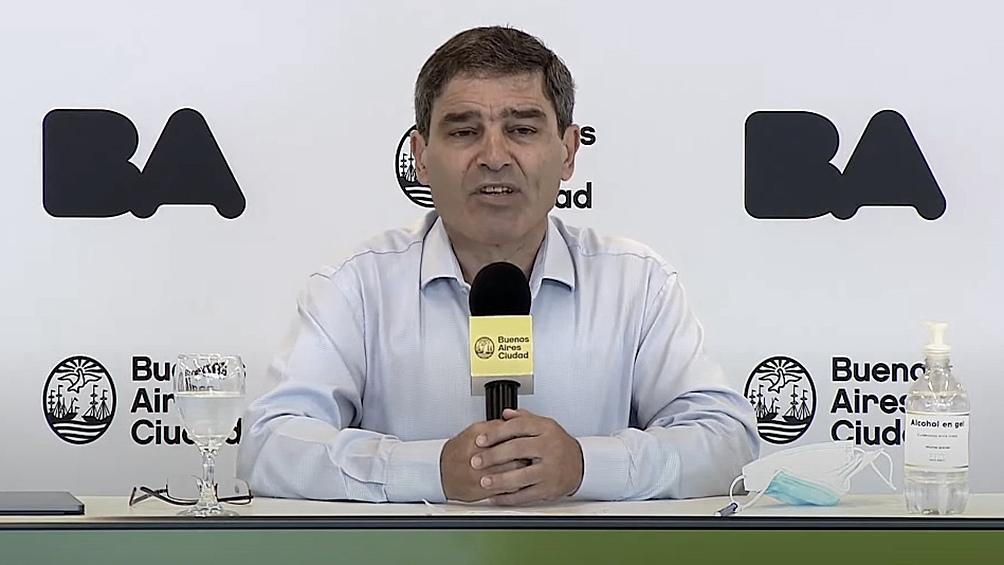 Quirós pidió disculpas en la conferencia de prensa.