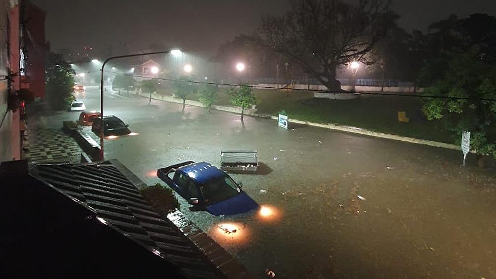Según el Servicio Meteorológico cayeron 105 milímetros de agua entre las 20 y 21.08 del lunes.