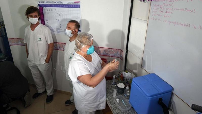 En Mendoza abren la vacunación para mayores de 35 años sin factores de riesgo