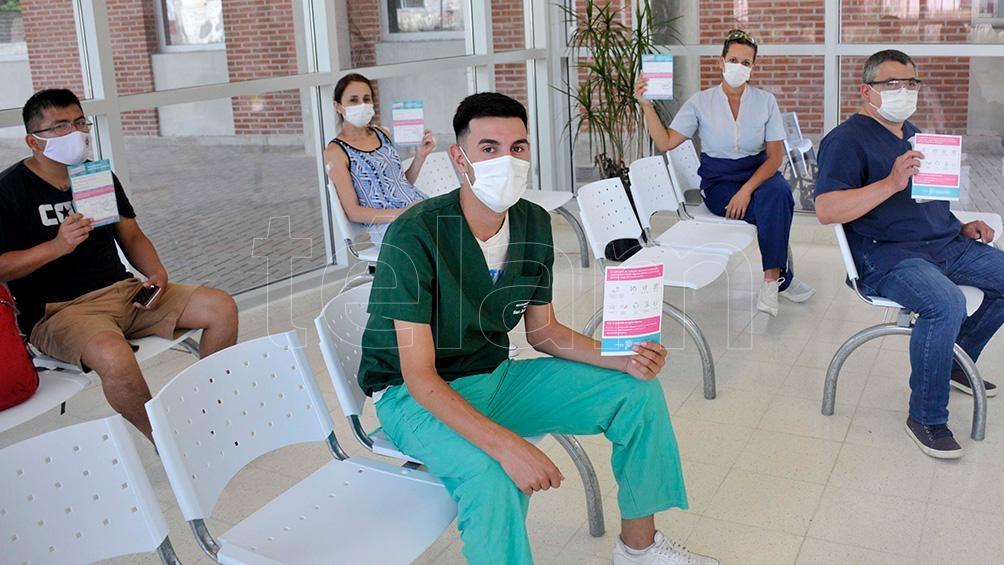 El Gobierno bonaerense ya imprimió 4,5 millones de credenciales, formularios y afiches para el Plan de vacunación.