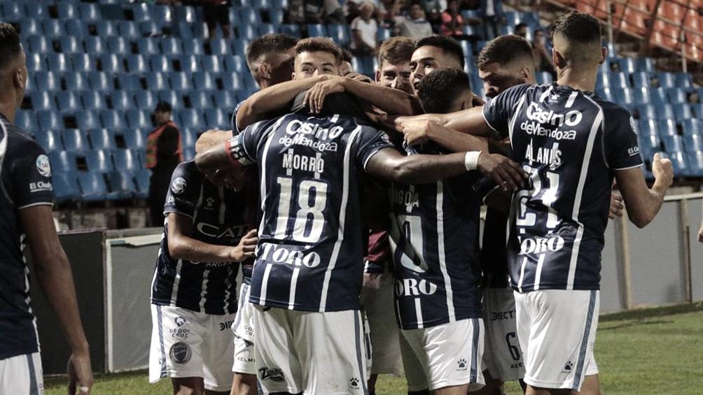 Godoy Cruz busca reponerse y avanzar de fase ante Justo José de Urquiza