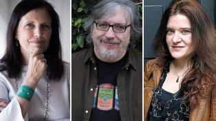 Escritoras y escritores también celebraron la libertad de elección y el fin de la clandestinidad
