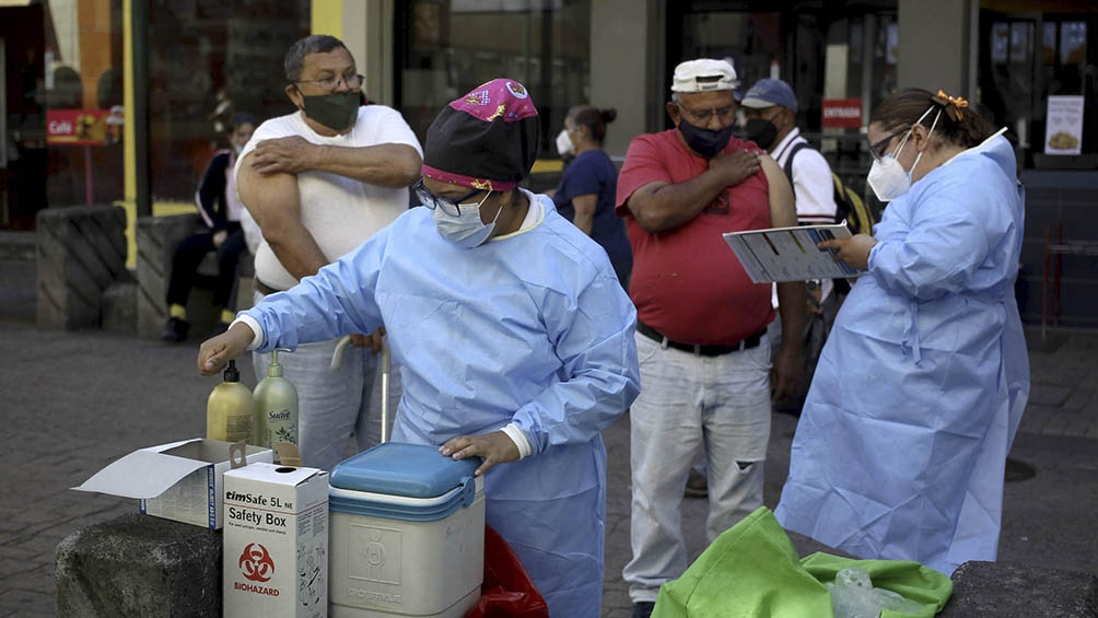 Vacunación masiva contra la influenza en Tegucigalpa, la capital de Honduras, dos semanas atrás.