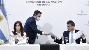 La bicameral sobre Inteligencia le entregó un informe a Cristina Kirchner y Massa sobre escuchas