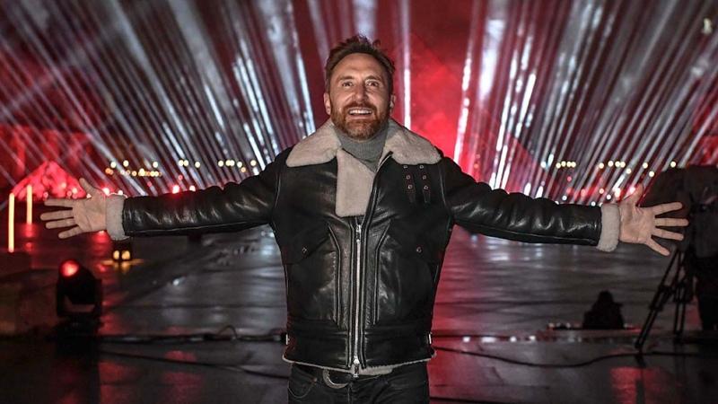 David Guetta despide el año con un show benéfico por streaming desde el Louvre