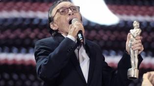 """Daniel Toro celebra 80 años con el adelanto de """"El nombrador"""""""