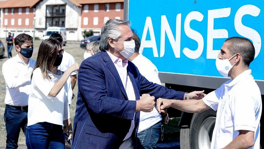 """""""Nadie puede estar tranquilo sabiendo que el 44 por ciento de los argentinos está en situación de pobreza""""."""