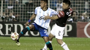 Atlético enfrenta a Colón en último partido de Zielinski en Tucumán
