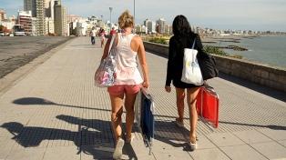 Los balnearios bonaerenses recibieron unos 900 mil turistas en la primera quincena